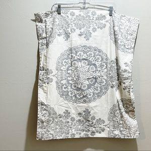 POTTERY BARN LUCIANNA MEDALLION Pillow Shams